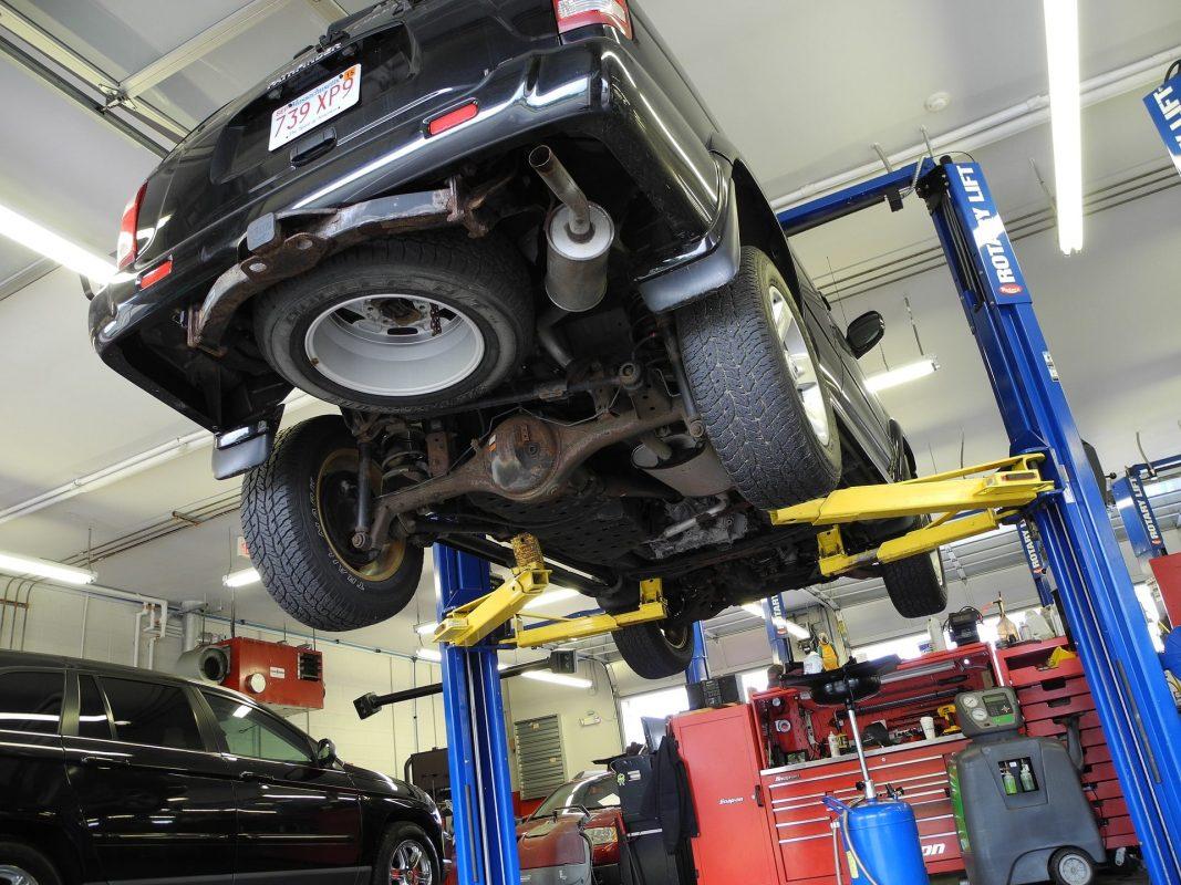 Jetzt mehr über KFZ-Service & Wartung in der Mietwerkstatt & JP-Reifen Rottbitze erfahren!