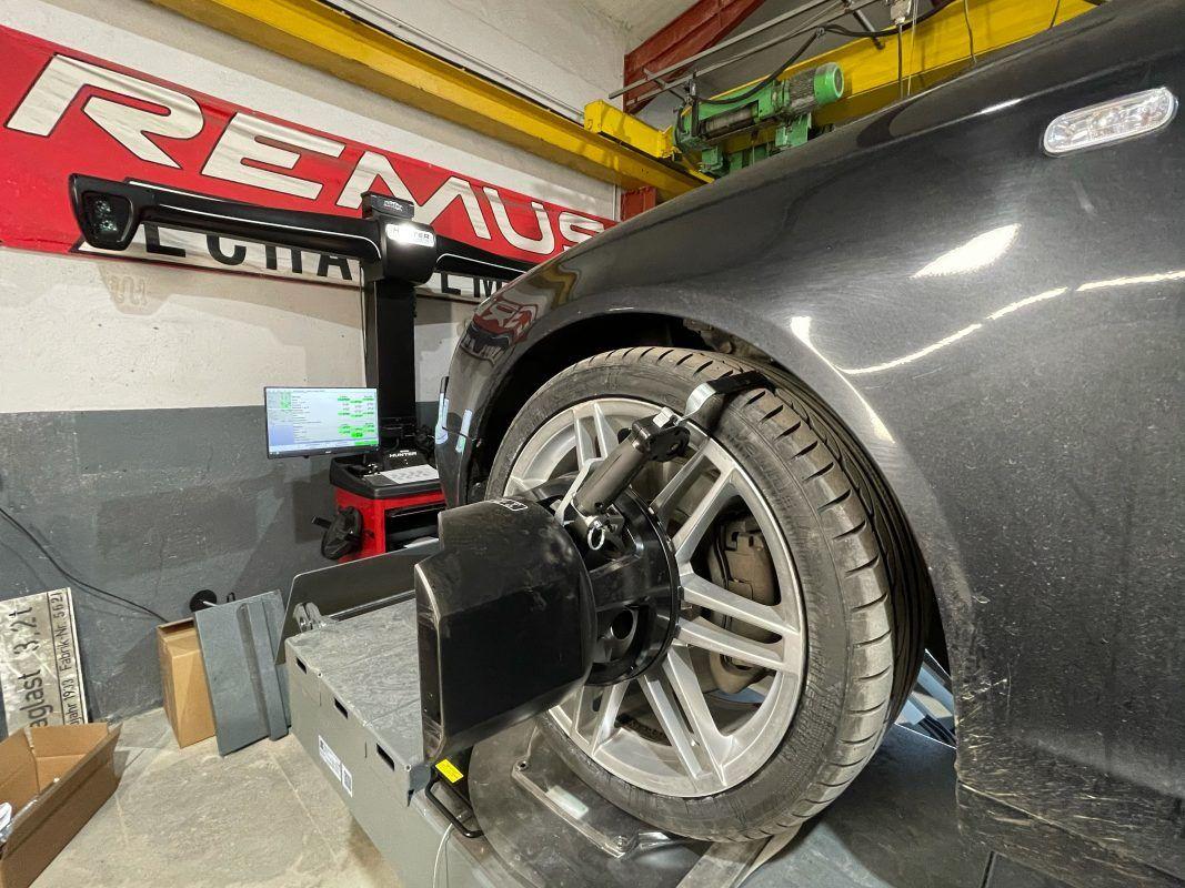 Jetzt mehr über Achsvermessung in Bad Honnef in der Mietwerkstatt & JP-Reifen Rottbitze erfahren!